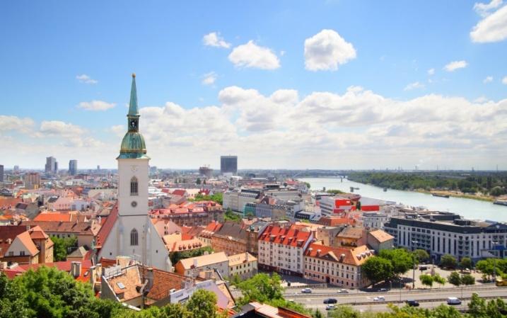 Аккредитованные языковые школы словакия в братиславе из скачать бесплатно презентацию диалоговое обучение